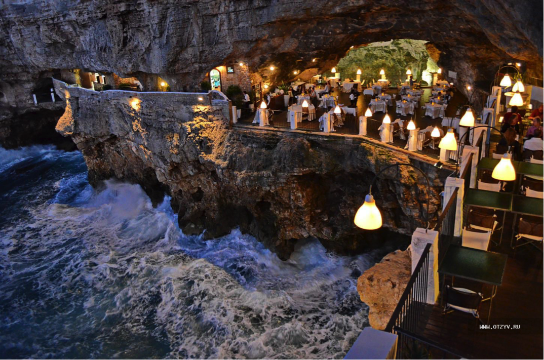 9 Grotta Palazzese