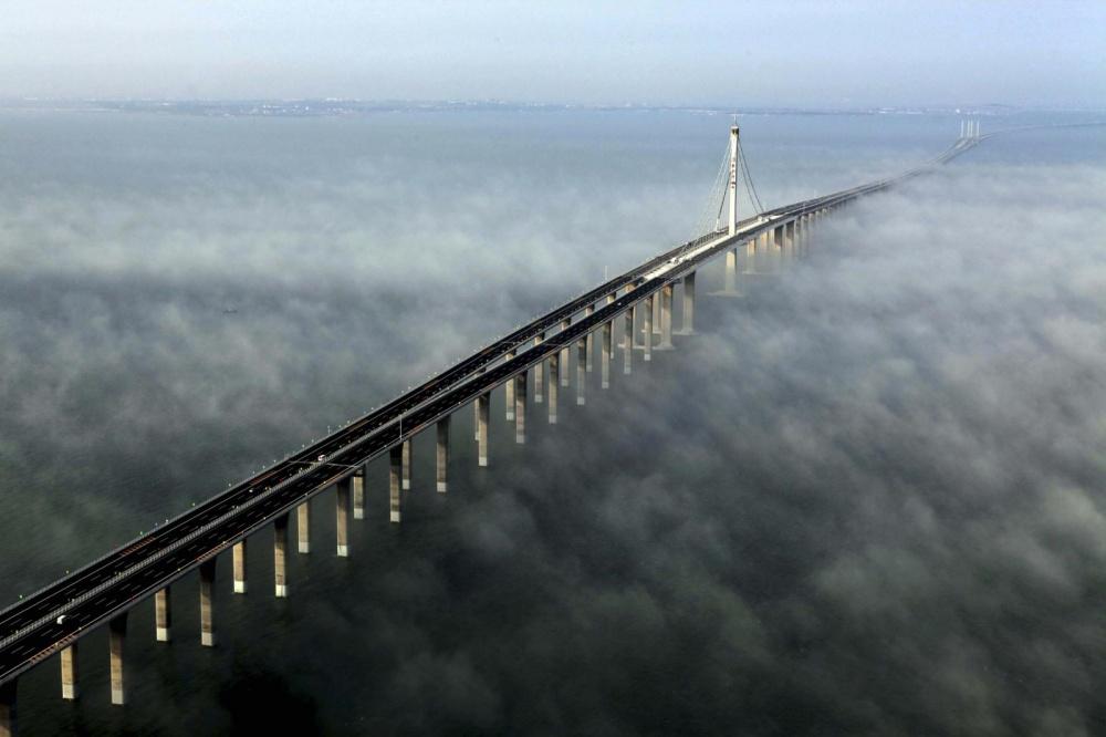 Most u zalivu Hangžu, Kina